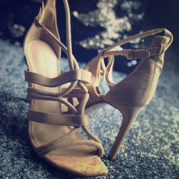 707dd6462b6 Zara Basic Collection Tan Strappy Faux Suede Heel
